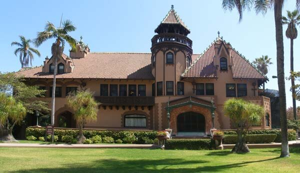 Top 10 Colleges for an Online Degree in Los Angeles, CA ...