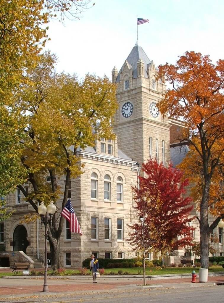 manhattan-kansas-conservative-town