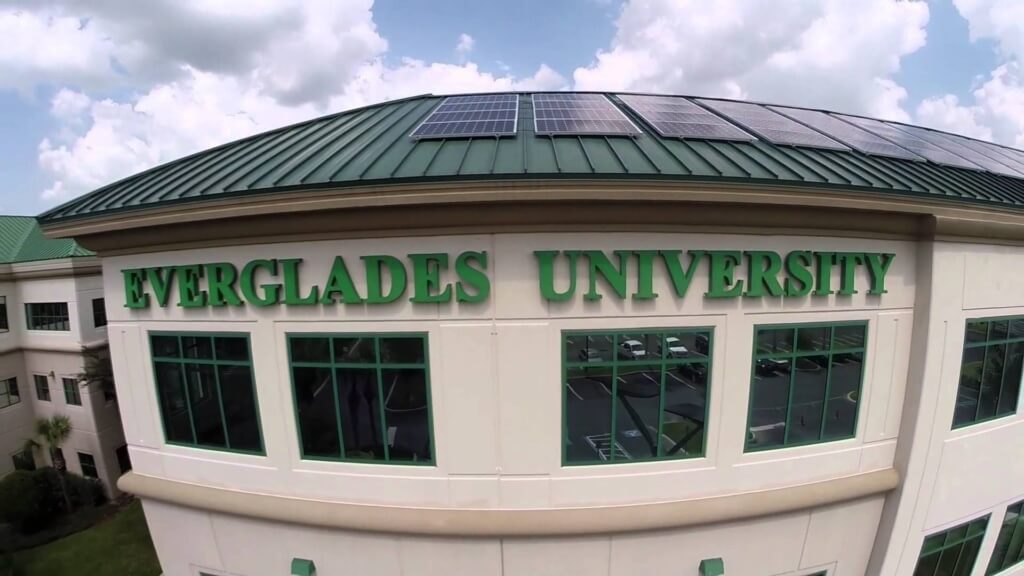 Everglades University great online colleges degree hospitality